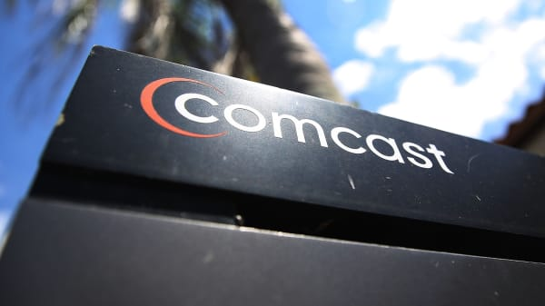 Comcast Announcing Fox Bid On Wednesday If Att Time Warner Approved