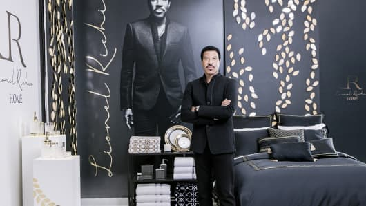 Jc Penney Taps Lionel Richie To Help With Its New Home Brand