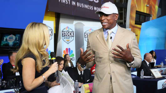 Eric Dickerson selects ExxonMobil at the 2018 CNBC Power Lunch Stock Draft on April 26, 2018.