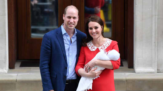 Catherine, Duchess of Cambridge and Prince William, Duke of Cambridge depart the Lindo Wing with their newborn son at St Mary's Hospital on April 23, 2018 in London, England.