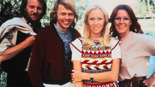 (L-R) Benny Anderson, Bjorn Ulvaeus, Agnetha Fältskog and Anni-Frid Lyngstad.