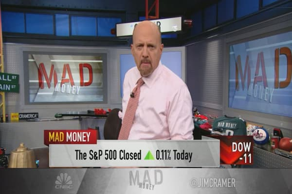 Cramer's game plan: This market lacks clarity. Here's how to manage