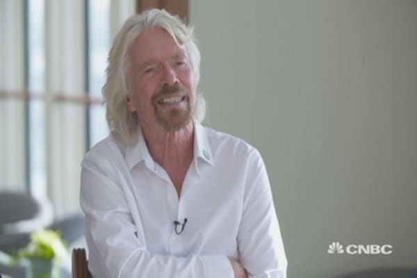 Richard Branson: Hope to send people to space in near distant future