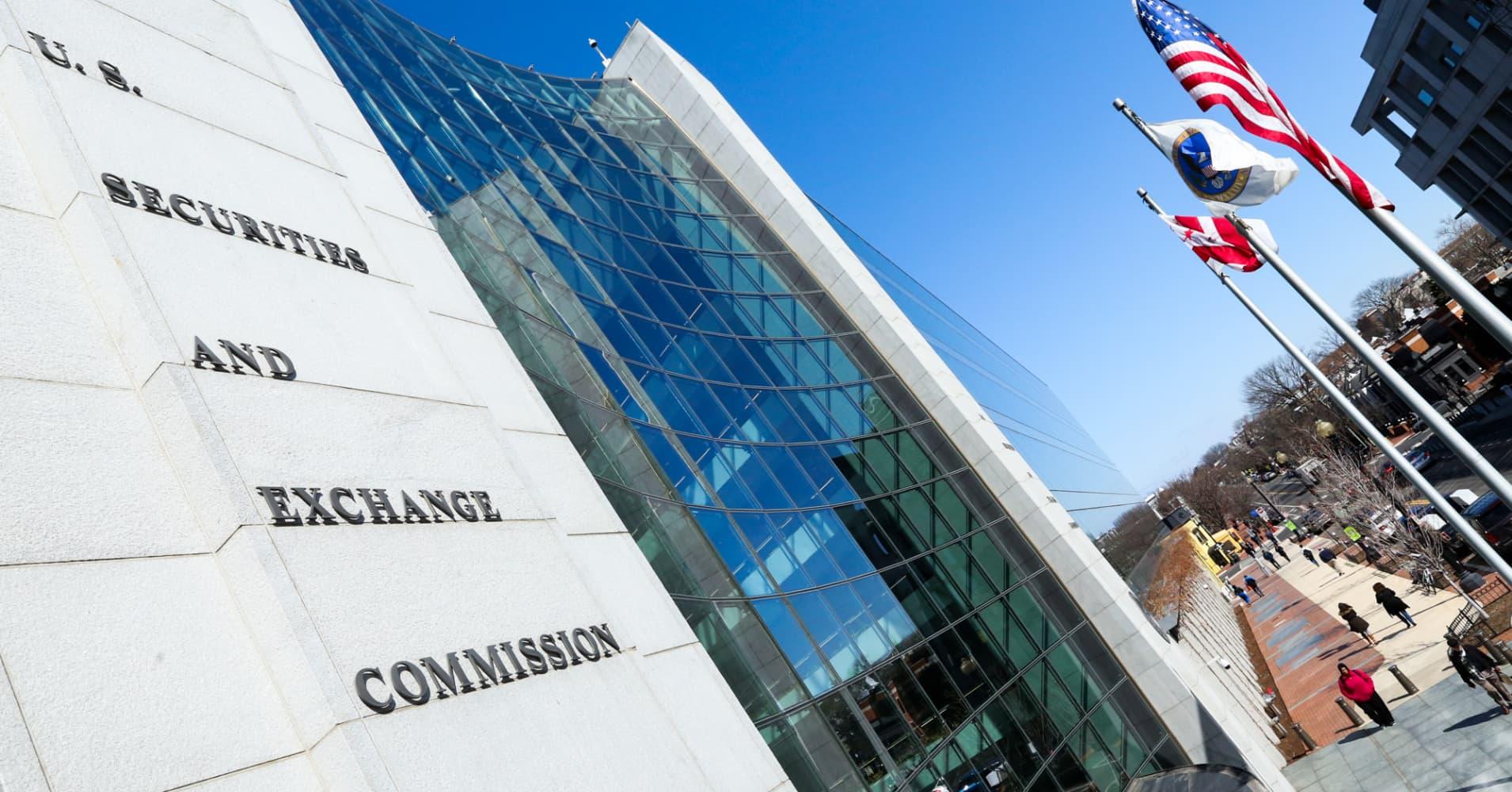 Woodbridge Group ordered to pay $1 billion for Ponzi scheme targeting retail investors