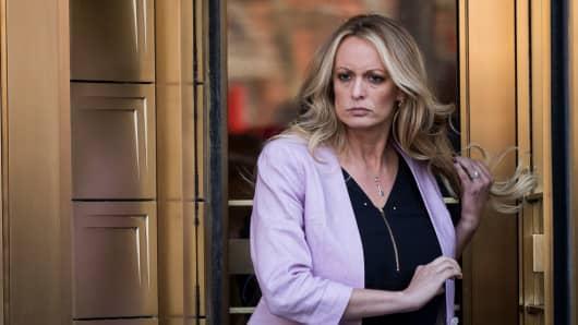 Porn Star Stormy Daniels Files New Defamation Lawsuit Against President Trump Over Tweet-4304