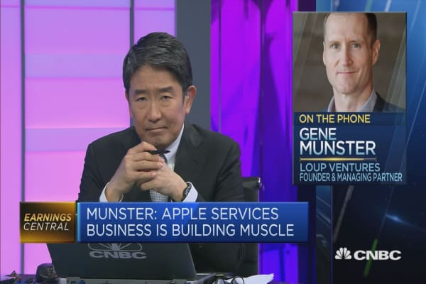 The two standouts from Apple's earnings report: Analyst