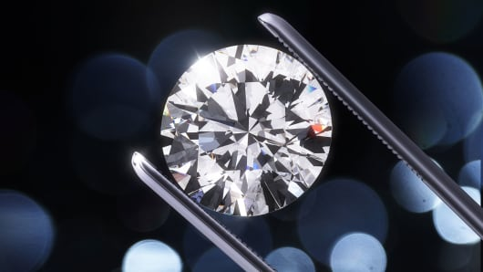 diamond market may be warming to lab made gems