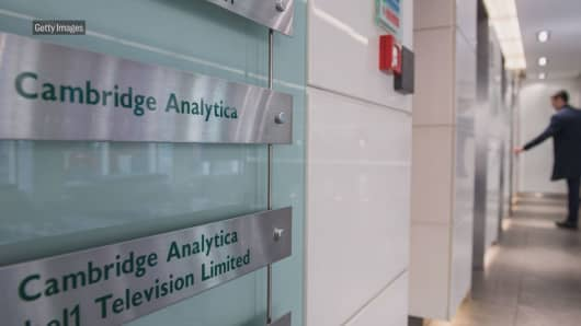 Cambridge Analytica is shutting down