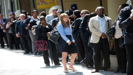 Unemployment rate drops to 3.9% in April