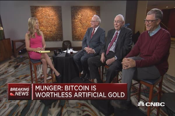 Munger: Bitcoin is worthless artificial gold