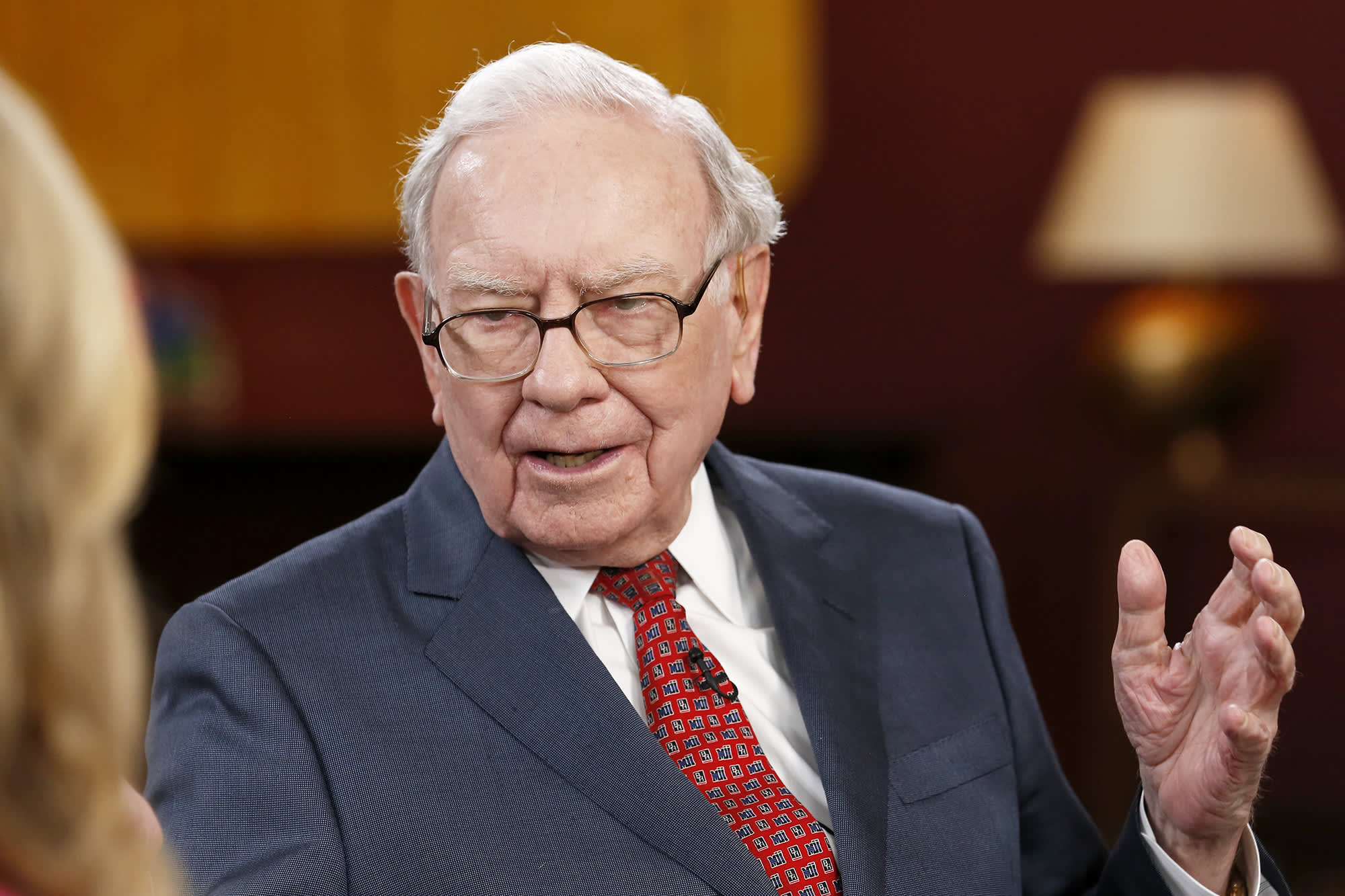 Warren Buffett on bitcoin: It doesn\'t produce anything