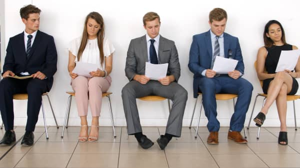 Suzy Welch: Beware of these 3 common job interview traps
