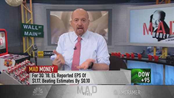 Cramer commends Estee Lauder's CEO, advises buying beauty stock into weakness