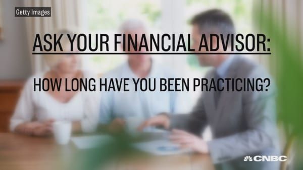 How to pick a financial advisor