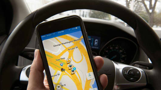 Screen view of the WAZE traffic app on an iPhone