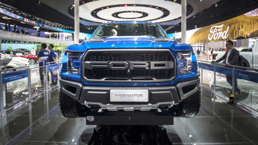 Buy Ford Shares Because Of The Automakers Profitability Jefferies - Car show display stand for sale