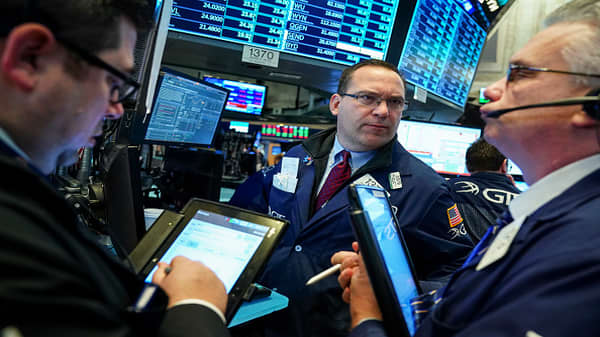 Stocks taking rising yields and oil in stride