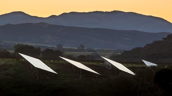 Experts debate California's new solar panel mandate