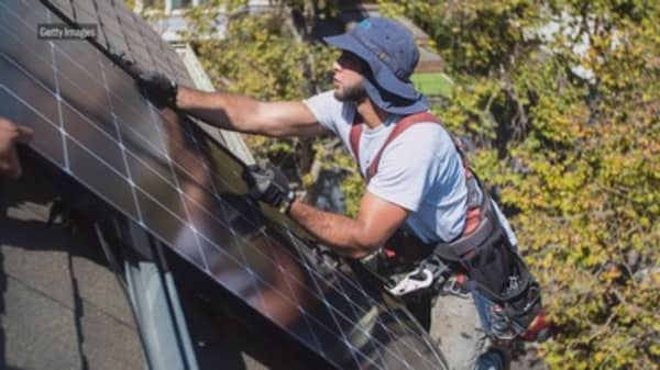 California regulators approve plan to mandate solar panels on new home construction