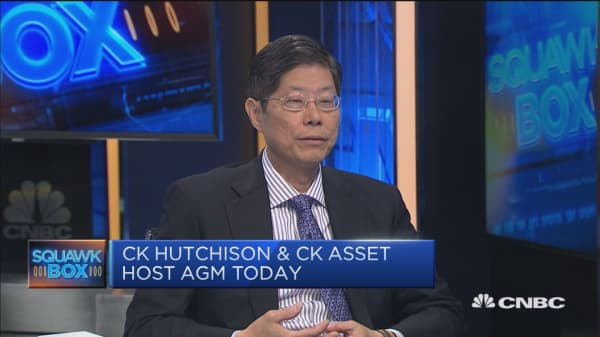 Discussing the succession plan at CK Hutchison