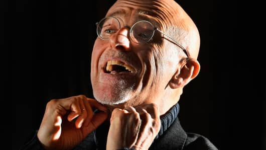Italian neurosurgeon Sergio Canavero wants to carry out the first human head transplant operation and believes it could help people who have been paralyzed from the neck down to walk again.