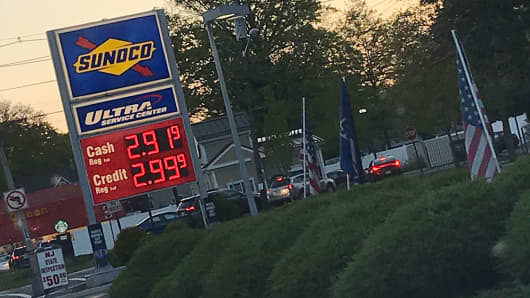 A Sunoco gas station showing rising gas prices in New Jersey.