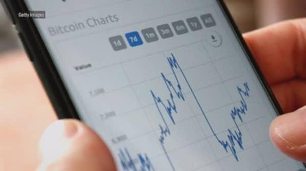 Cryptocurrencies plunge after prosecutors raid largest Korean exchange