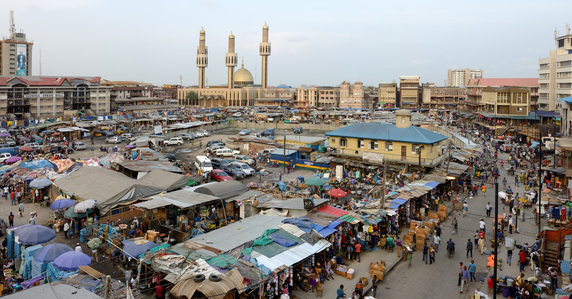Jankara market and Lagos Central Mosque in on March 17, 2016 in Lagos, Nigeria.