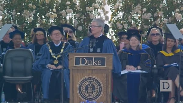 Apple CEO touts privacy at Duke commencement speech
