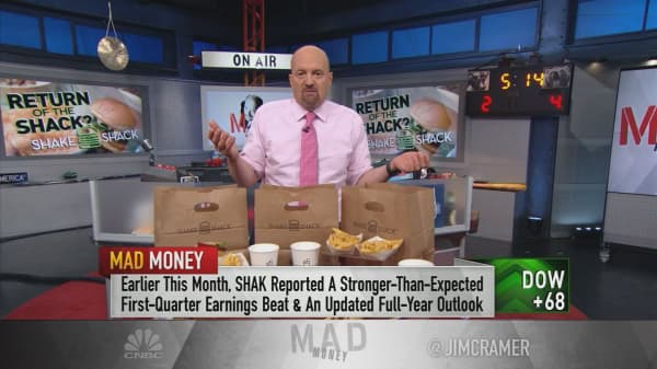 Cramer: Pricey Shake Shack shares are not worth the money