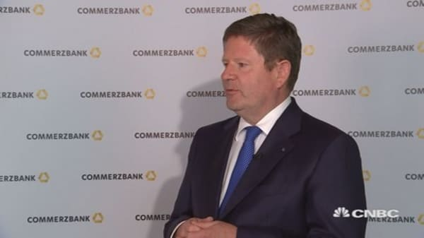 Seen sobering on interest rates throughout first quarter: Commerzbank CFO