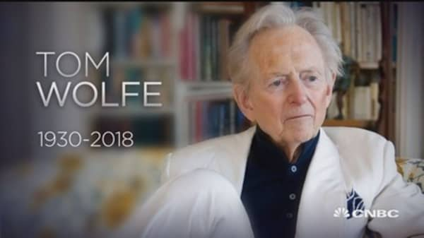 Novelist and journalist Tom Wolfe dead at 88