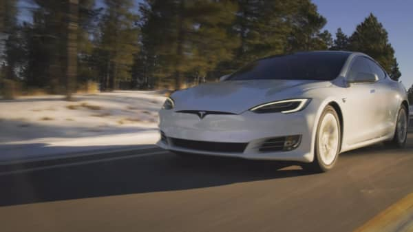 Leaked email says Tesla may have huge burst of Model 3 production this week