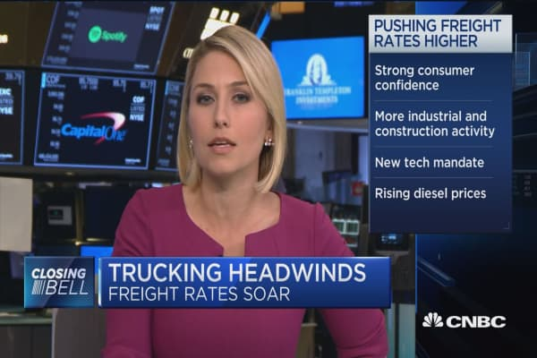 More than 50,000 truck drivers needed now