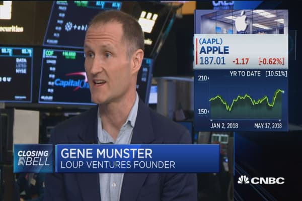 Loup Venture's Gene Munster: Why Apple is a service company