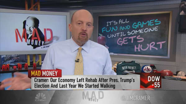 Cramer: Fed raising rates too quickly could be bad news for economy
