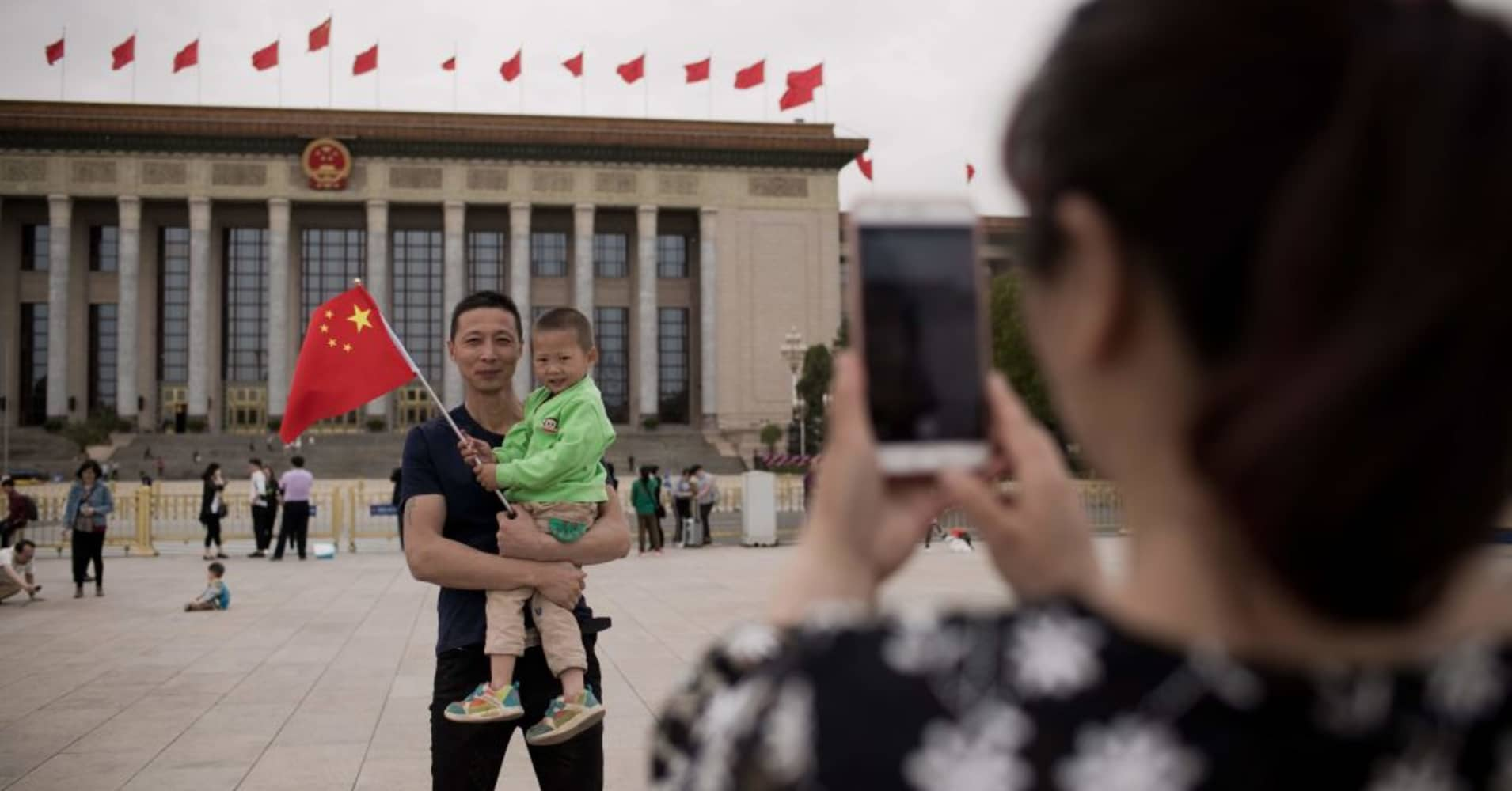 China reportedly considers scrapping two-child limit per family