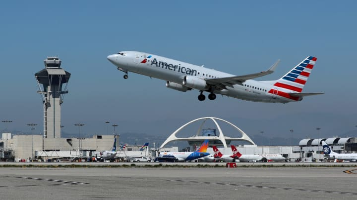 How U.S. airports make money