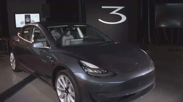 Tesla Model 3 falls short of Consumer Reports recommendation