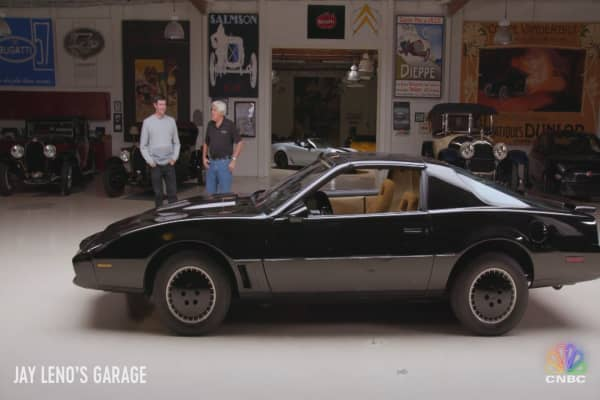 Bubba Watson gets behind the wheel of his dream car—the KITT from Knight Rider