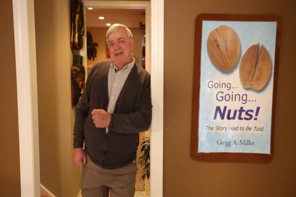 Fake dog testicles made this man a millionaire