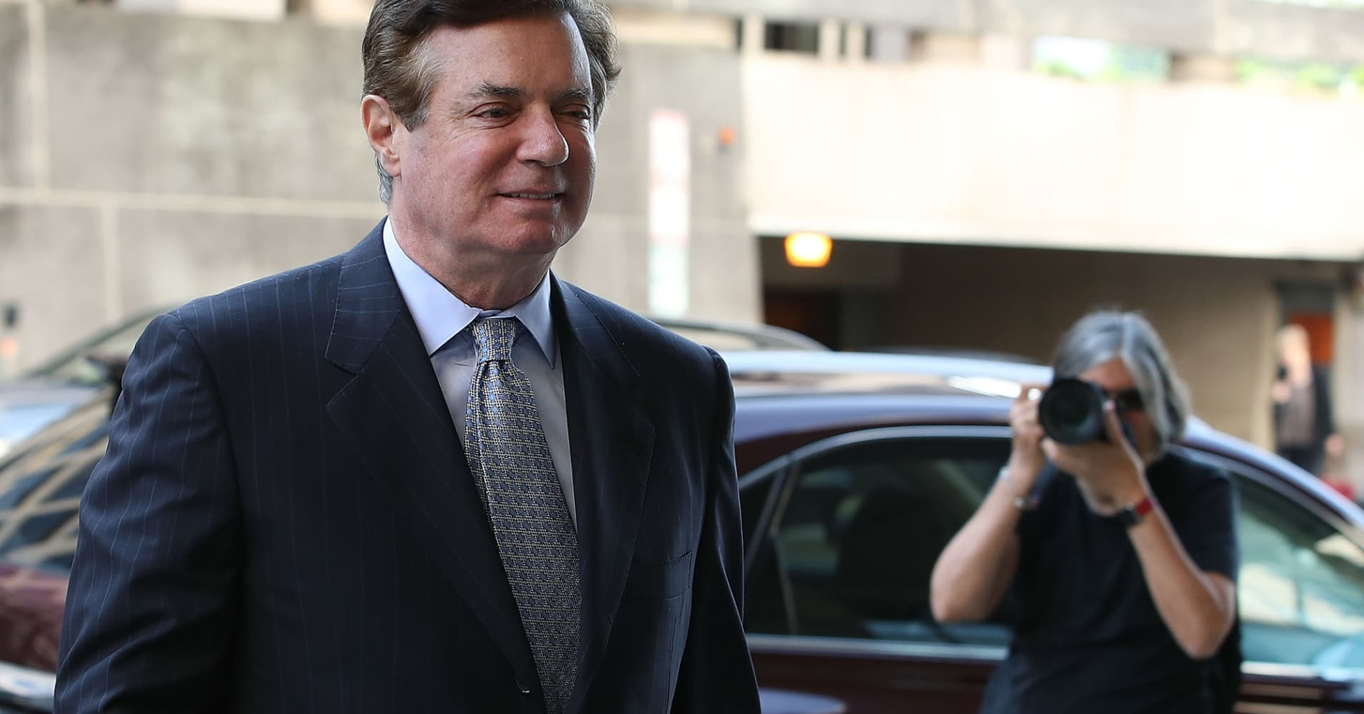 Former Trump campaign boss Manafort reportedly has a plea deal in place with Mueller