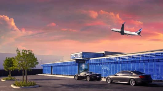 United and Private Suite have announced plans for United's business class passengers to have access to a private terminal at LAX.