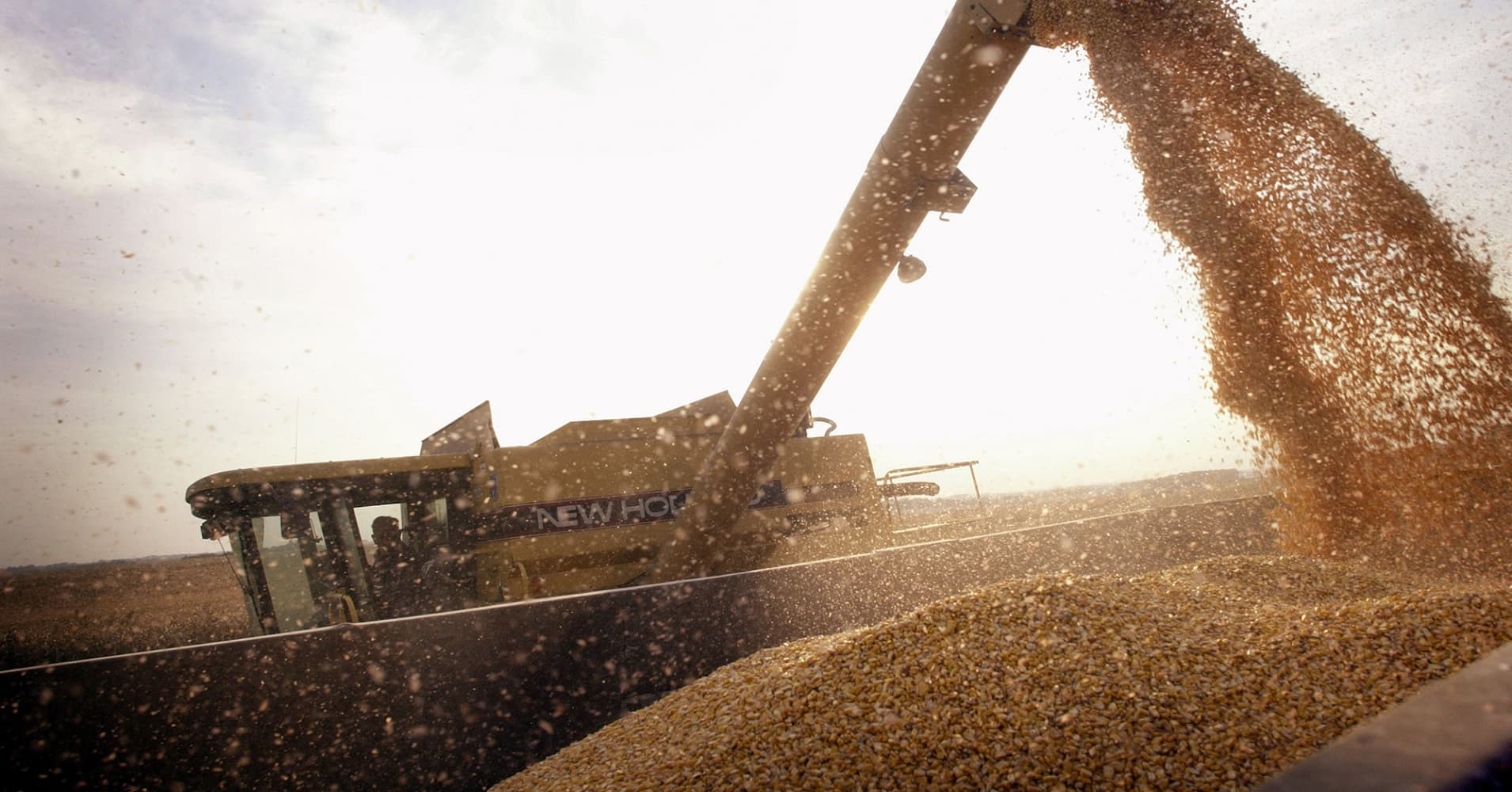 Farmer sentiment takes hit amid growing worries over trade war