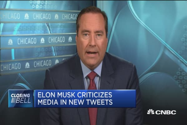 Elon Musk criticizes media in new tweets