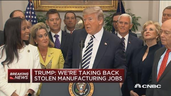 President Trump signs Dodd-Frank rollback