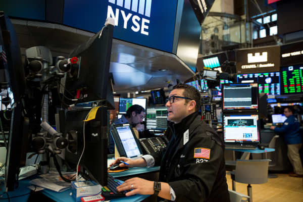 Look past geopolitical noise and focus on fundamentals, says strategist