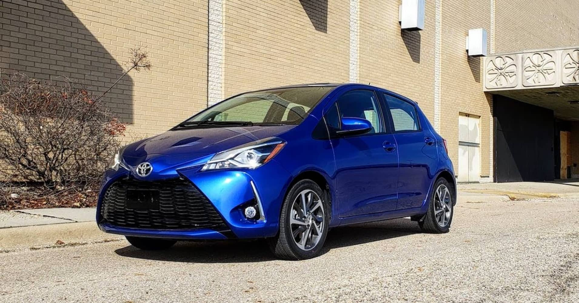 the 2018 toyota yaris 5 door is cheap noisy and unrefined toyota nation forum toyota car. Black Bedroom Furniture Sets. Home Design Ideas