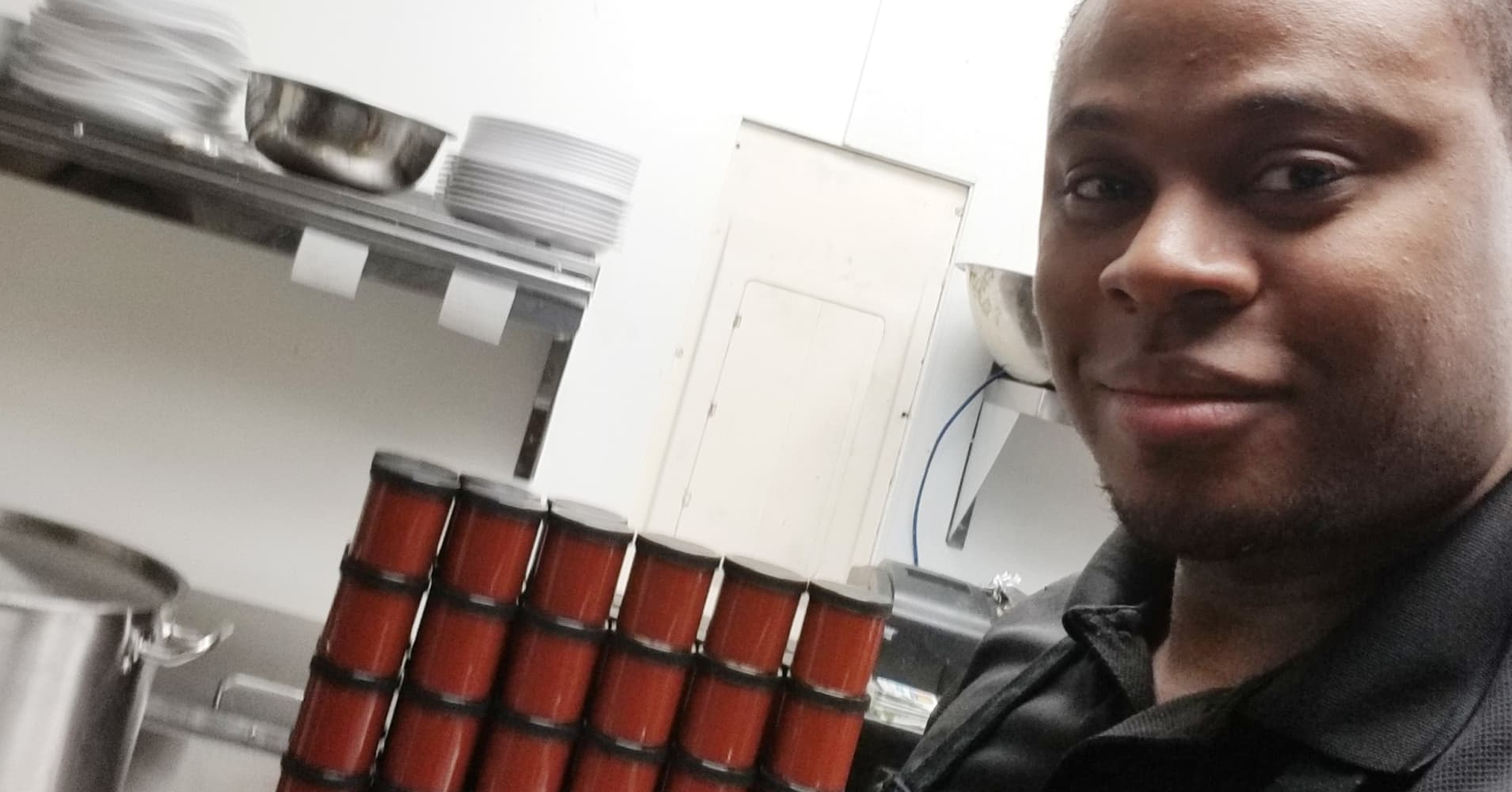 Amazon Security Guard Makes Thousands Selling Mr Maurs Sauce On Amazon