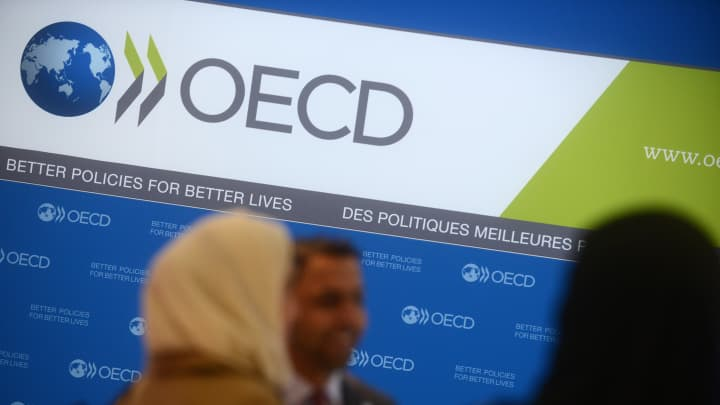 Guests arrive at the presentation of the candidacies for the 2020 World Expo, at the OECD headquarters on November 27, 2013 in Paris, France.